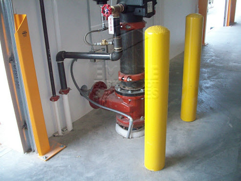 services-warehouse-sign-bollard-installation-15
