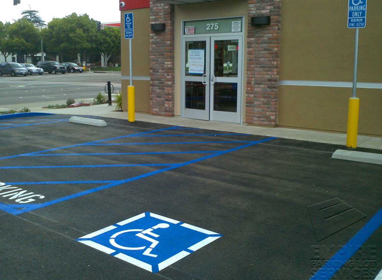 asphalt-repairs-anaheim-california-carls-jr--blue
