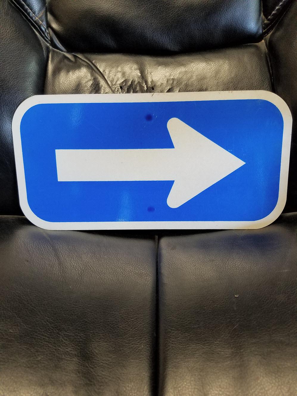 Path of travel directional sign Arrow (1).jpg