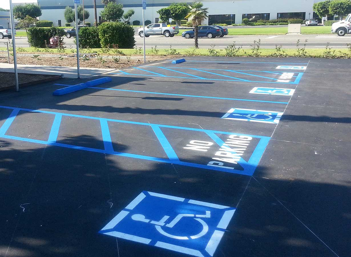 asphalt-repairs-anaheim-california-carls-jr-blue-lines.jpg
