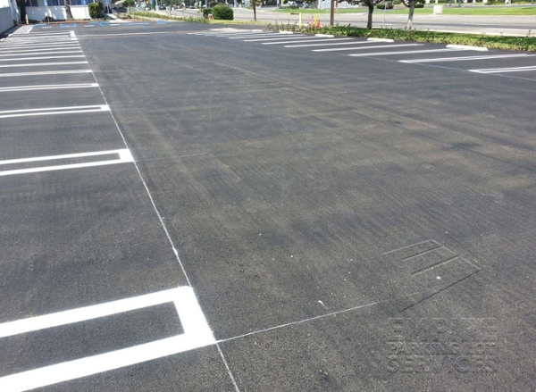 asphalt-repairs-anaheim-california-carls-jr-fresh-lines.jpg