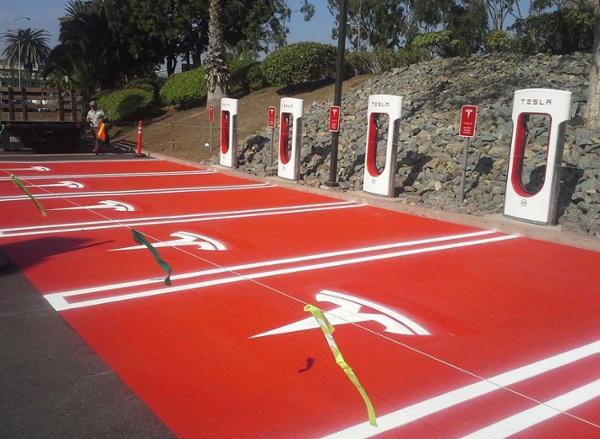 los-angeles-parking-lot-striping-parking-spots.jpg