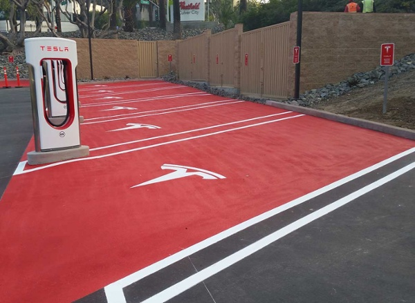 los-angeles-parking-lot-striping-red-paint.jpg