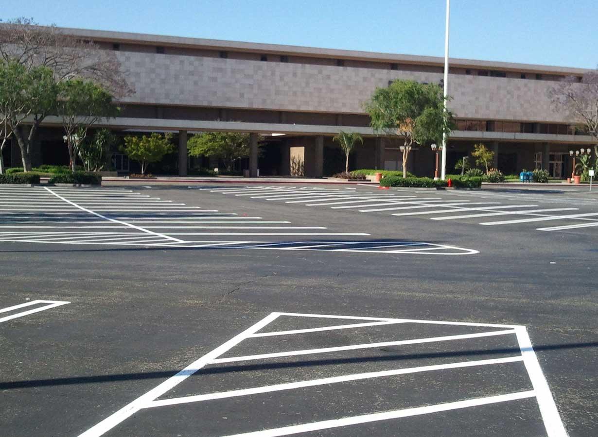 santa-ana-parking-lot-striping-lot.jpg